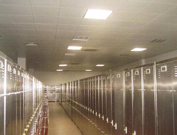 武汉通用导光管采光系统室内效果(车间)