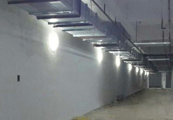 室内漫射器之侧墙发光